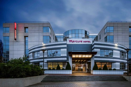 Mercure Massy Gare TGV : Exterior