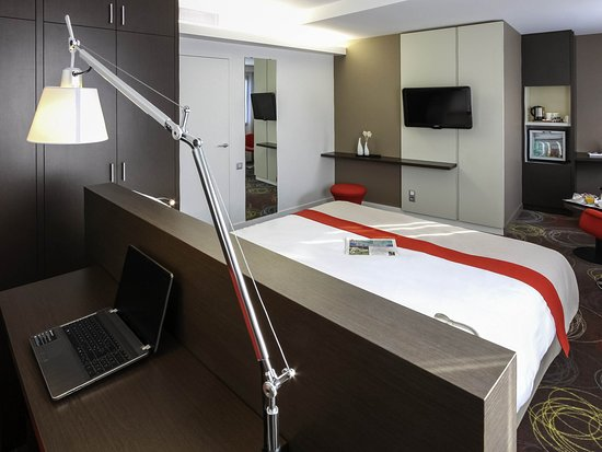 Niort, France : Guest Room