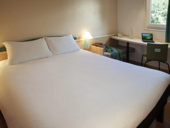Tinqueux, France: Guest Room