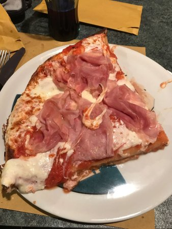 Bresso, Italy: Pizza al trancio con prosciutto cotto