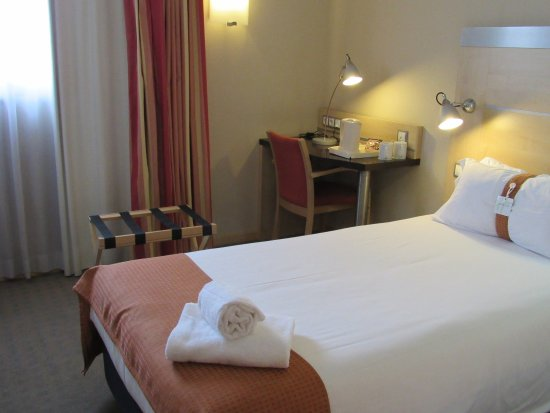 Aldaia, Spain: One double bed room