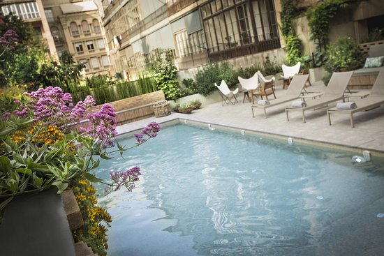 Alexandra Barcelona A DoubleTree By Hilton: Hotel Outdoor Pool