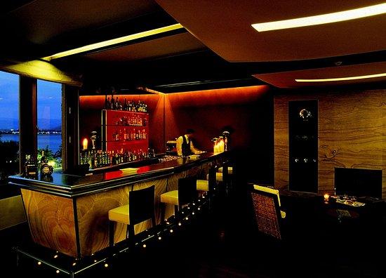 Amphitryon Hotel: Bar