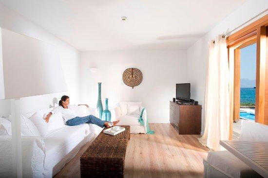 Minos Beach Art hotel: Villa with private pool