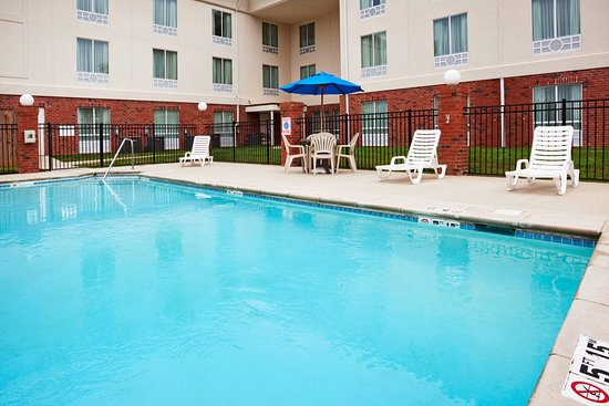 Swimming Pool Comparison : Holiday inn express white house updated hotel
