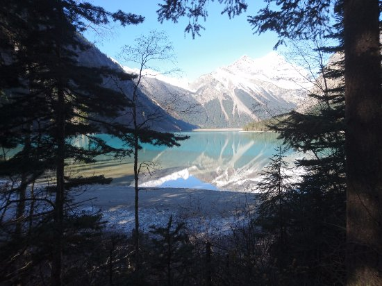 Canadian Rockies, Canada: Erster Blick auf den Kinney Lake