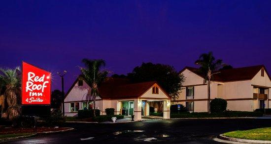 Red Roof Inn & Suites Brunswick I-95: Exterior Twilight