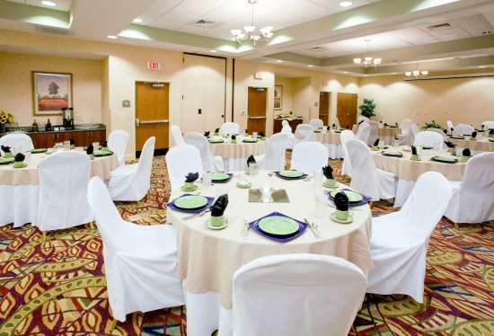 Rocky Mount, Βόρεια Καρολίνα: Our meeting room can hold up to 80 people for a meeting or event.