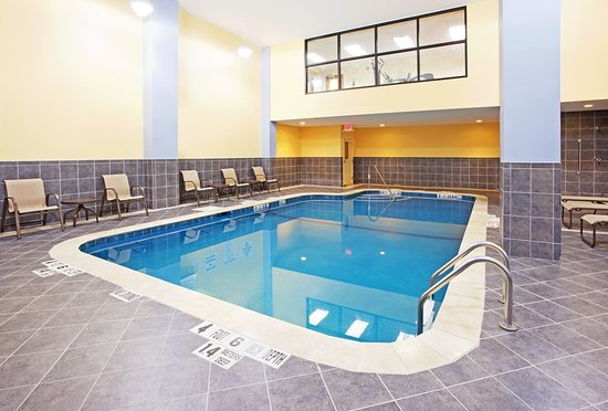 Holiday Inn Express & Suites Niagara Falls: Indoor Swimming Pool w/ Patio