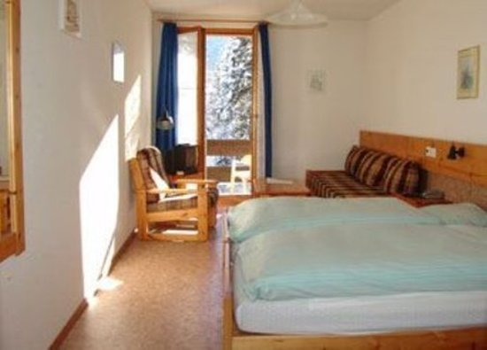 Les Diablerets, Suisse : Double room south with Balcony