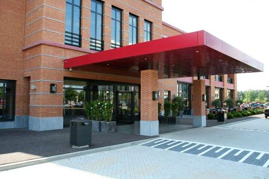 Van der valk Houten - Entrance Outside