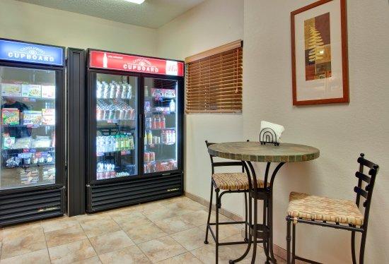 Nogales, AZ: Candlewood Cupboard
