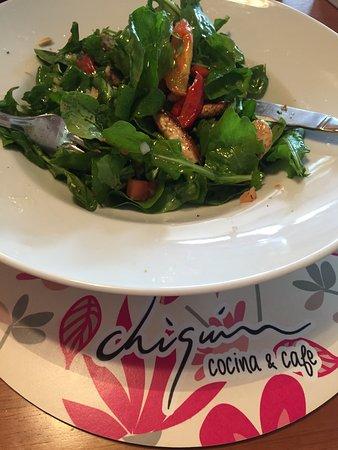 Cipolletti, อาร์เจนตินา: ensalada ruculas peras roquefort
