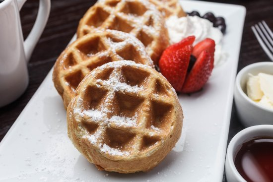 Gretna, LA: Waffles served at the Holiday Inn New Orleans Westbank