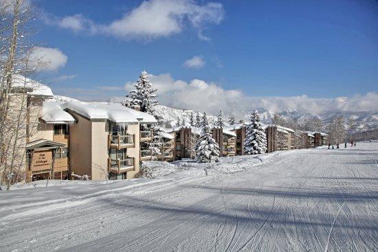 Snowmass Village, CO: Snowmass_TOV_exterior_winter_ski_slope