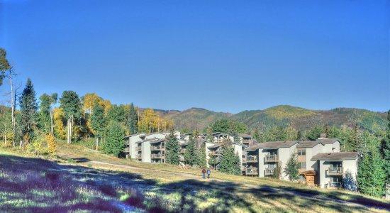 Snowmass Village, CO: Snowmass_TOV_exterior_summer_slope