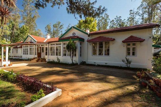 SaffronStays Milton Abbott Estate