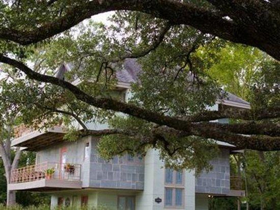 Bryan, Teksas: Exterior Front