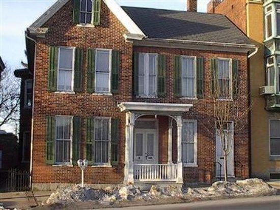 Waynesboro, PA: Exterior -OpenTravel Alliance - Exterior View-