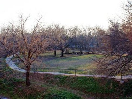 Photo of River Rock Bed and Breakfast Cottages Cleburne