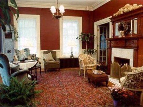 Woonsocket, RI: Interior Lobby