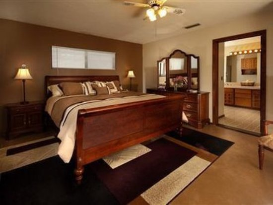 Desert Rose Bed and Breakfast: Guest Room