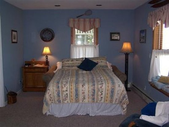 Naples, NY: Guest Room