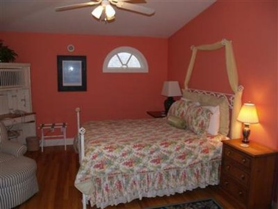 The Villa Bed & Breakfast : Guest Room (OpenTravel Alliance - Guest room)