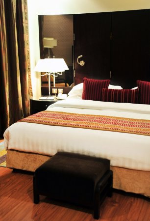 Crowne Plaza Al Khobar: King Executive Suite