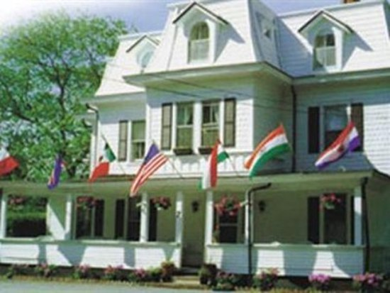 Grassmere Inn Bed and Breakfast: Exterior