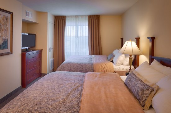 Staybridge Suites Omaha 80th & Dodge: Two Queen One Bedroom Suite