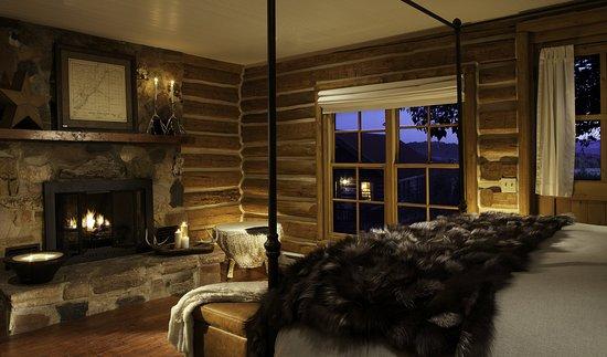 Saratoga, WY: Kintas Cabin Residence Master Bedroom
