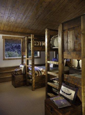 Saratoga, WY: Rainbow Cabin Residence BunkRoom