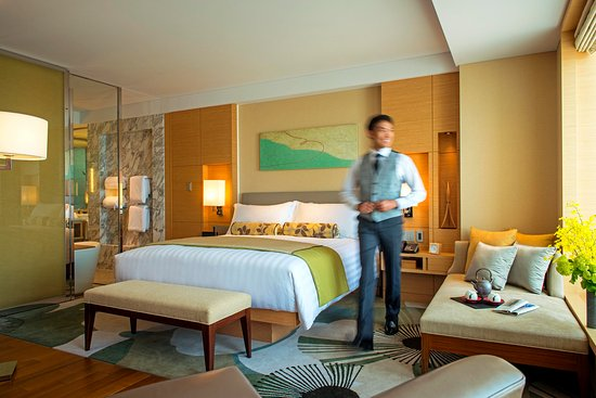 The Ritz-Carlton, Osaka: INTERCONTINENTAL CLUB ROOM