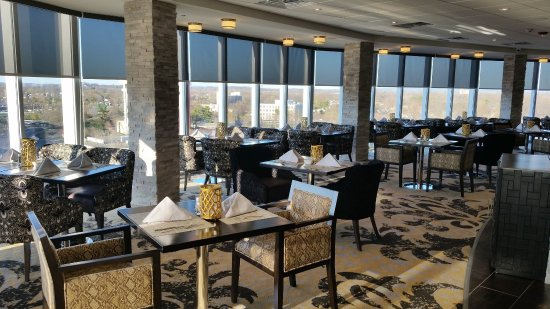 Sky Restaurant and Bar at Crowne Plaza Saddle Brook - Paramus