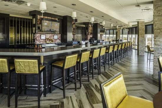 Sky Restaurant and Bar at Crowne Plaza Saddle Brook