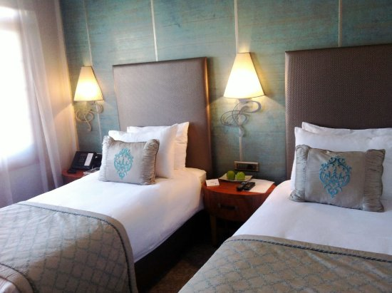 Biz Cevahir Hotel: Superior Twin Room