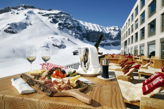 Melchsee-Frutt, Switzerland: Sun terrace