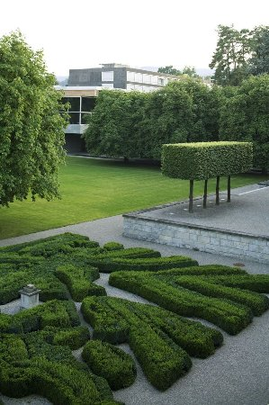 Rueschlikon, Swiss: The Centre and its garden