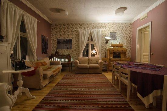 Västerbotten, Svezia: Gli spazi comuni del Lantliv Lodge: accoglienti e creativi