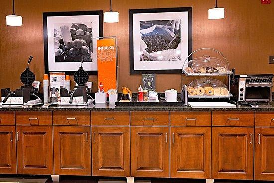 Jacksonville, NC: Breakfast Area