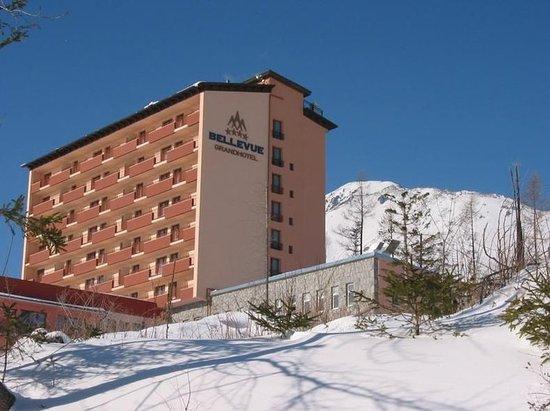 Vysoke Tatry, سلوفاكيا: Exterior - winter