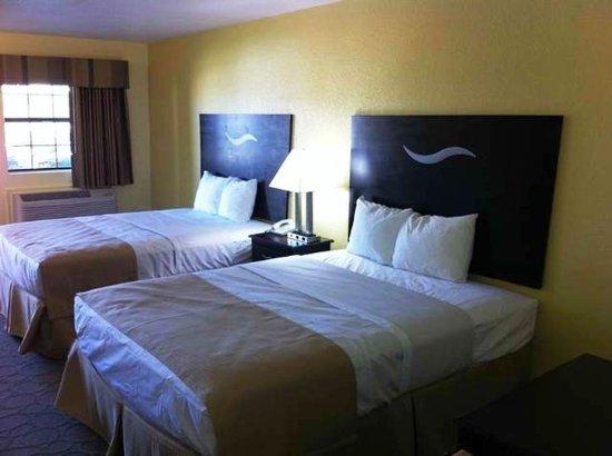 Scottish Inns Fort Worth: STXFWQueens