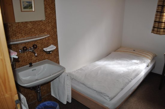 S-charl, Switzerland: Single room Budget