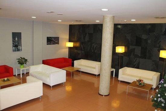 Hotel Flora Parc: Lobby