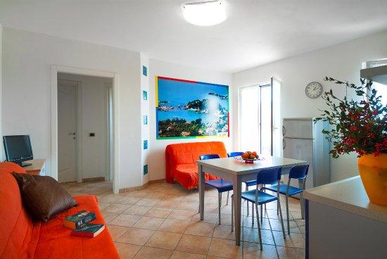 Appartamento con balcone soggiorno e sala da pranzo - Foto di Gli ...