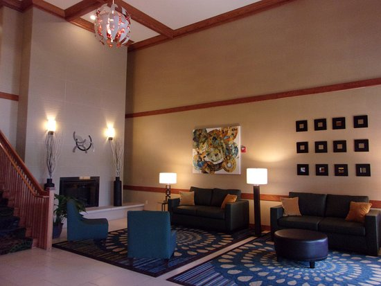 Roselle, IL: Hotel Lobby