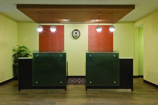 Artesia, NM: Front Desk