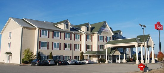 Red Roof Inn and Suites