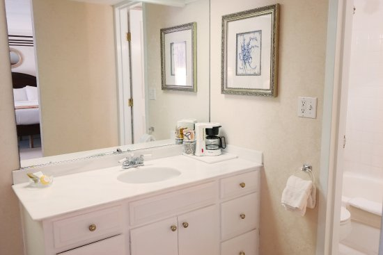 Town and Country San Diego: Town and Country_Accommodations_b1-d